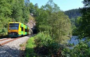 Foto von der Wanderbahn am Fluss